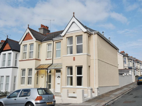 Trelawney Road, Plymouth. 3 bedroom house with en suite and detached garage.