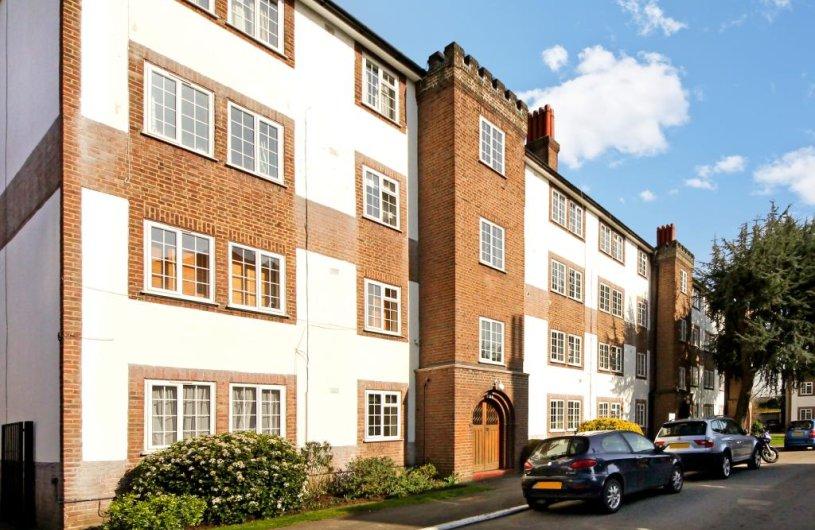 2 Bedroom Property To Let In Gloucester Court Kew Tw9