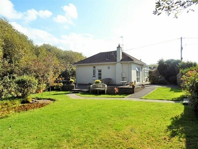 Court Road, Sand Bay, BS22