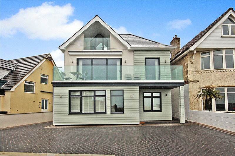 four bedroom cliff top house in bournemouth near the beach