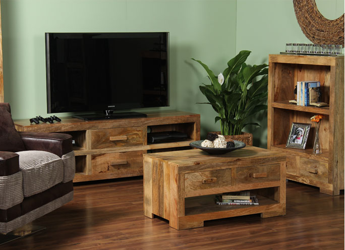 Pad specialists in wooden furniture