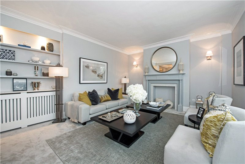 Three bedroom flat in the heart of South Kensington